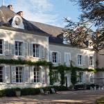 Renovatie van een Frans kasteel tot een prachtig design hotel. Hierin hebben wij de bestaande kozijnen en luiken vernieuwd en oude delen hersteld.