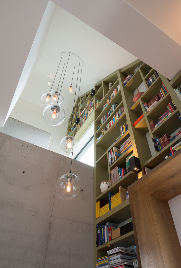 Wand vullende boekenkast - INhout